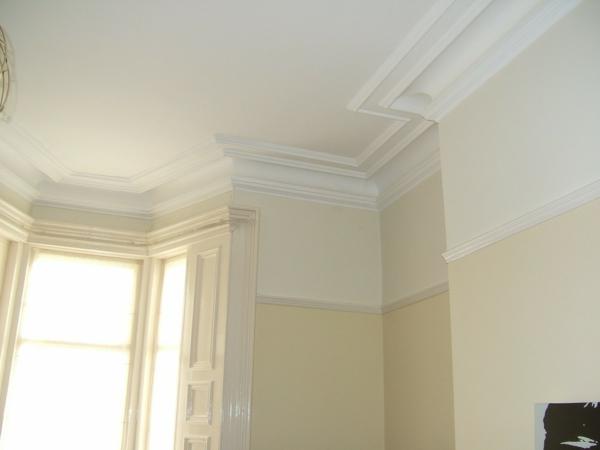 Weiß-und-Eierschalenfarbe-für-das-Zimmer