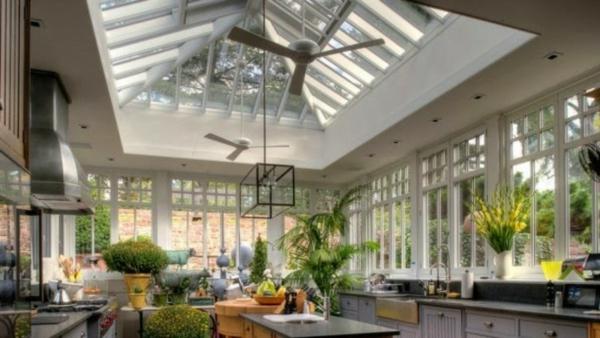 Wintergarten-Küchenbereich-mit-Pflanzen-dekorieren-wintergarten-gestalten