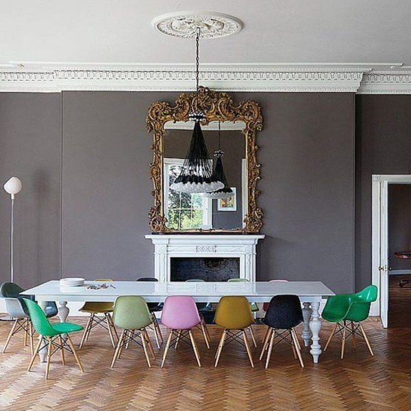 barock-esszimmer-einrichten-bunte-stühle