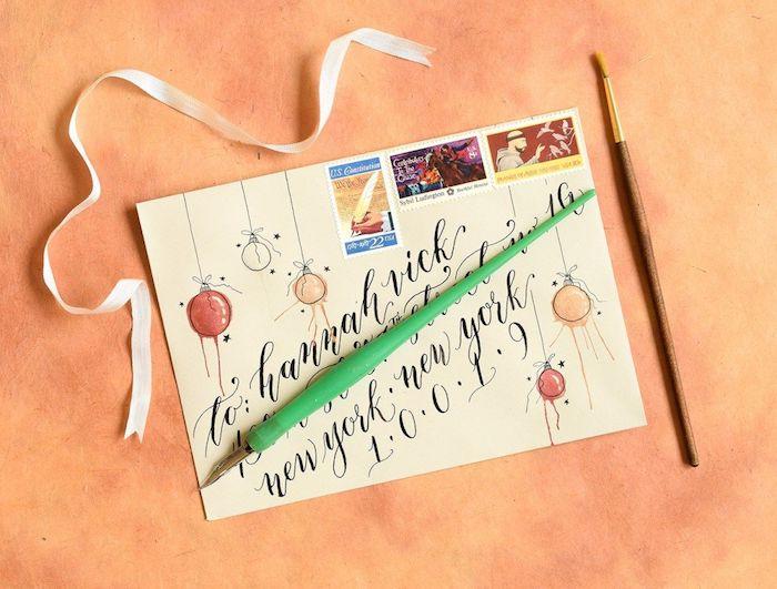 Weihnachtskarten selbst gestalten, handschriftliche Botschaft, Christbaumkugeln malen