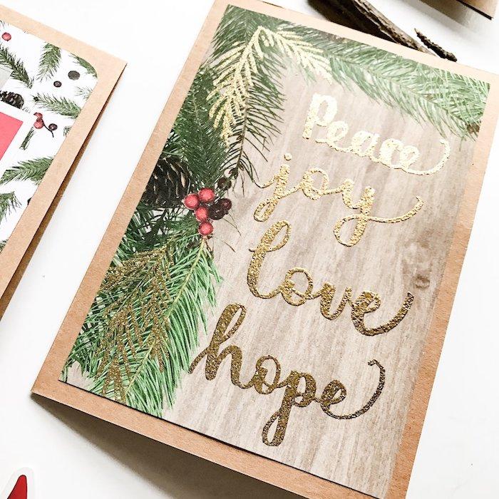Weihnachtskarten selber machen, goldene Aufschrift, Tannenzweige mit Glitzer Elementen, weihnachtskarten selber basteln vorlagen kostenlos