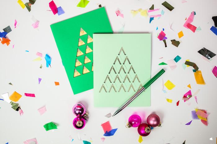 Idee für einfache DIY Weihnachtskarten, kleine Dreiecke ausschneiden und Weihnachtsbaum gestalten