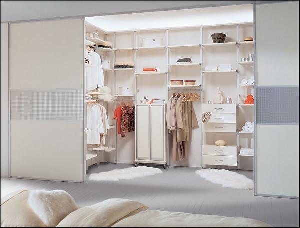 begehbarer kleiderschrank rosa. Black Bedroom Furniture Sets. Home Design Ideas
