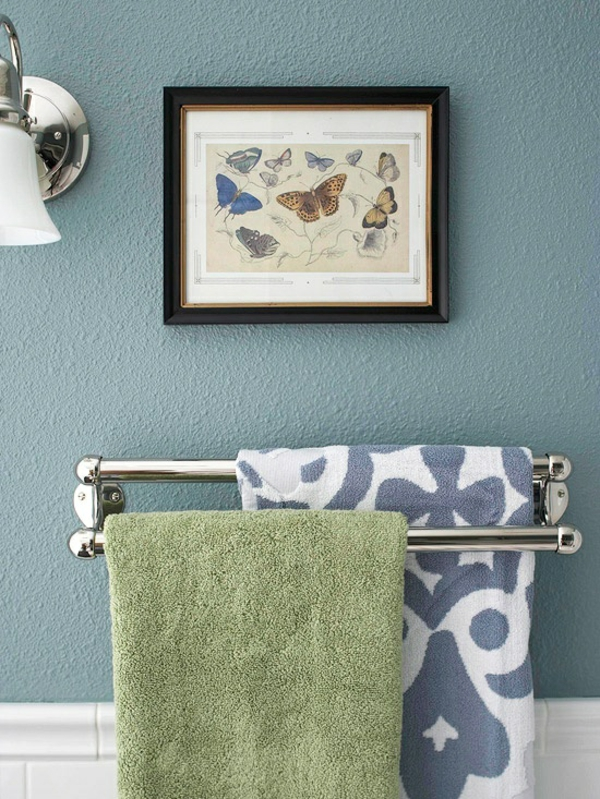 blaue-Wand-super-modernes-Badezimmer-Design