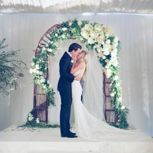 Atemberaubende Blumendeko für Hochzeit!