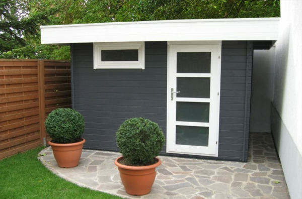 coole-moderne-Gartenhäuser-Grau-Weiß
