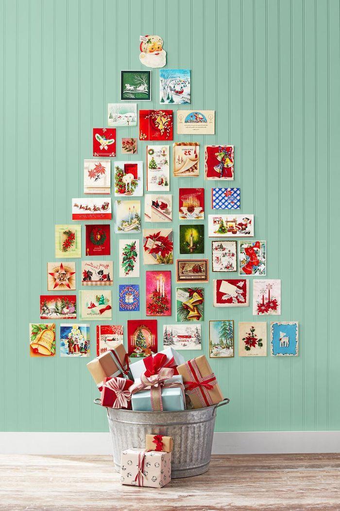 Was machen mit den alten Weihnachtskarten, an die Wand kleben in Form von Tannenbaum