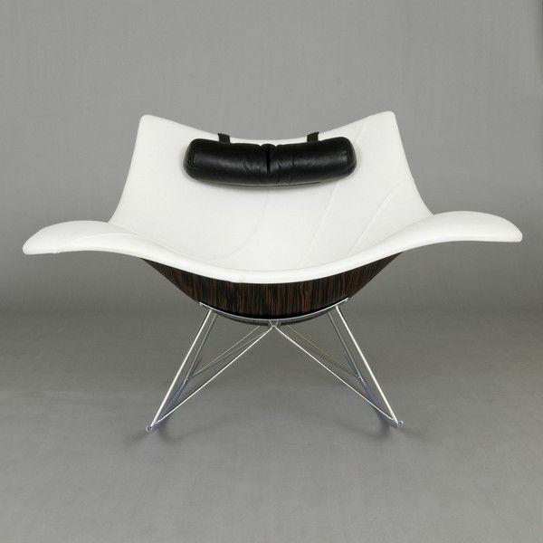designer-Stuhl-mit-ultra-modernem-Design-in-Weiß