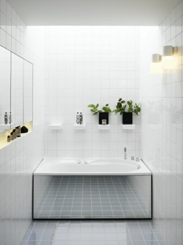 designer-badspiegel-im-weißen-bad