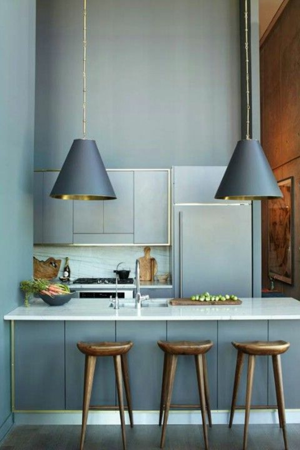 drei-Barhocker-für-eine-coole-Ambiente-in-der-Küche