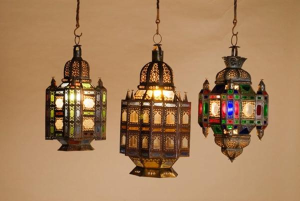 drei-hängende-marokkanische-lampen