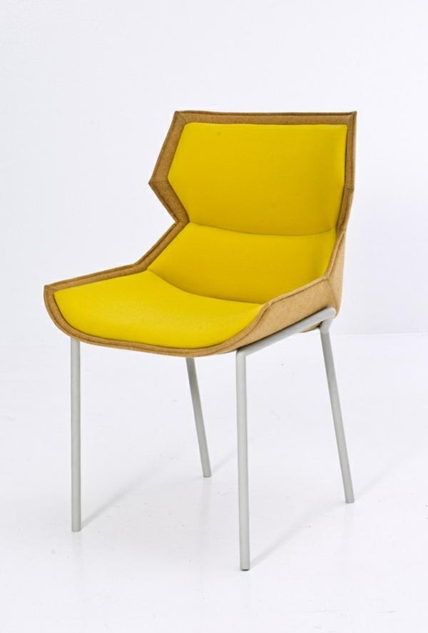 effektvoller- gelber-Designstuhl-für-die-extravagante-Wohnung