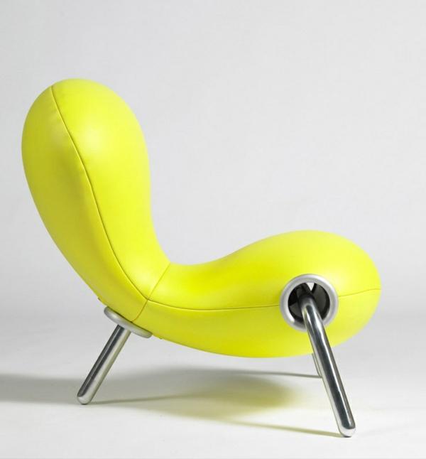 effektvoller- -gelber-Designstuhl-für-die-extravagante-Wohnung