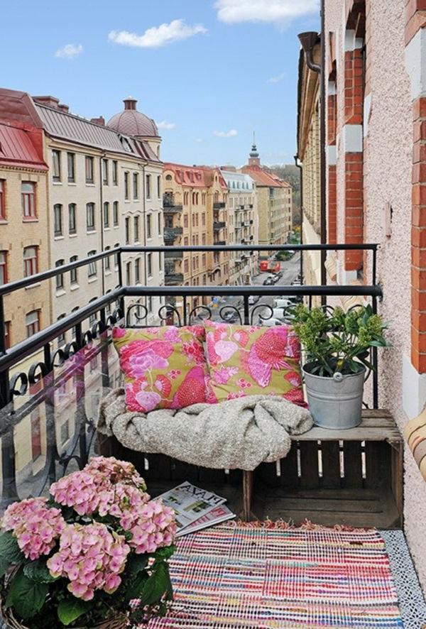 eine-kleine-Terrasse-modern-einrichten