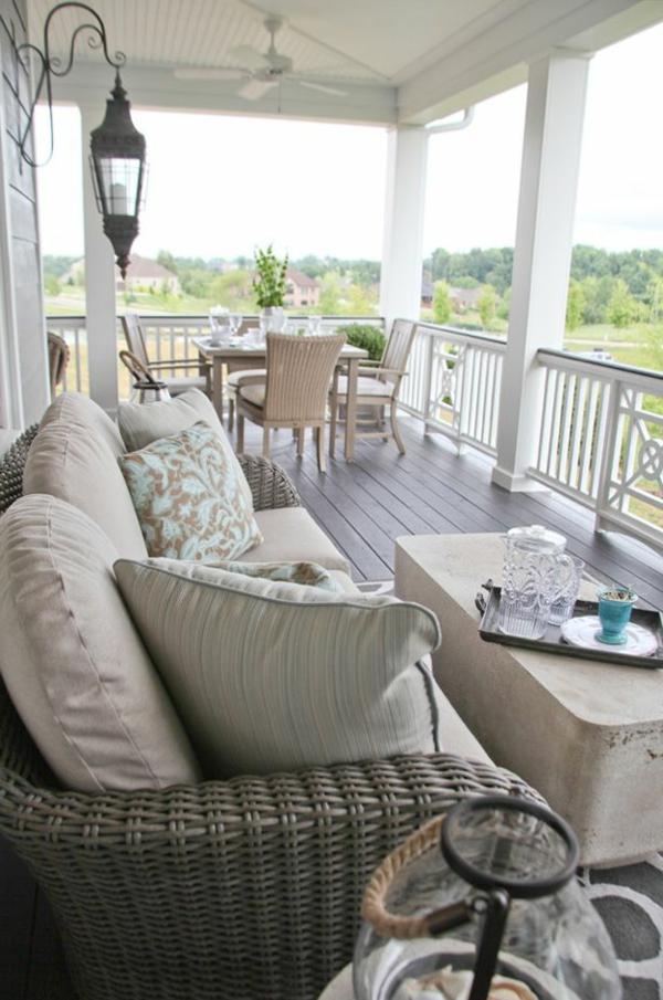 eine-super-schöne-moderne-Terrasse-gestalten