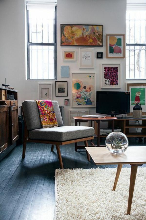elegantes-Wohnzimmer-mit-vielen-Bildern-