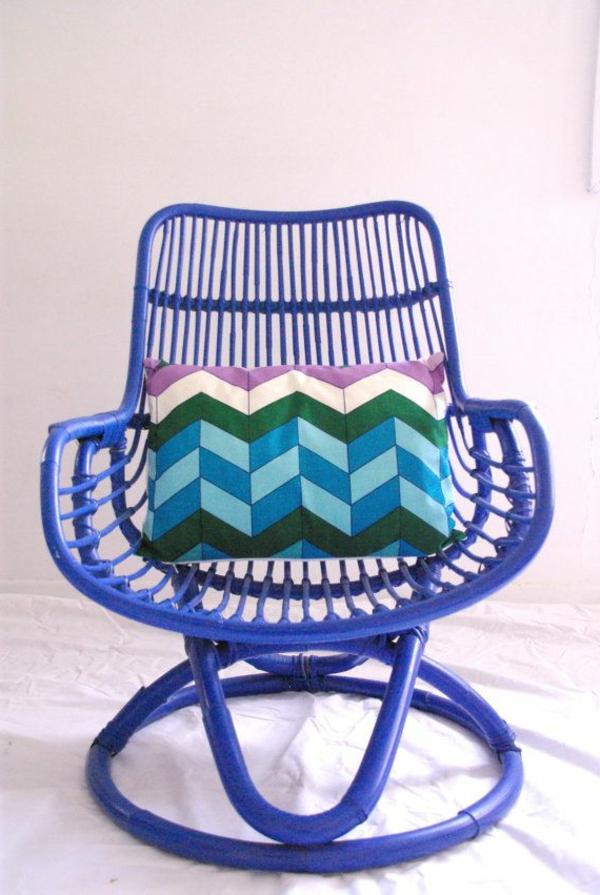 erstaunliches-Design-für-einen-designer-Stuhl-in-Lila