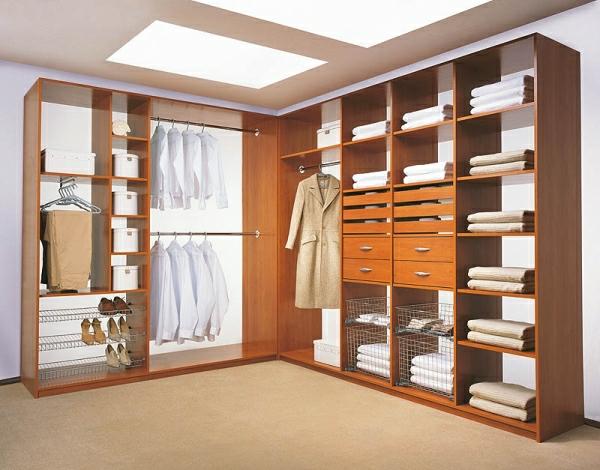 fantastischer-Luxus- begehbarer-Kleiderschrank