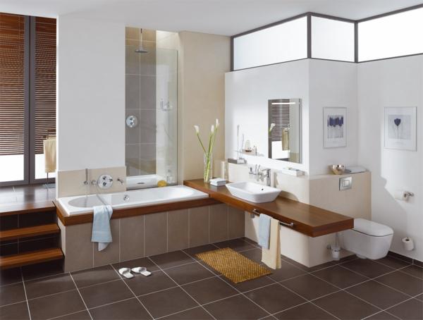 fantastisches-Badezimmer-mit-moderner-Gestaltung-Badewanne
