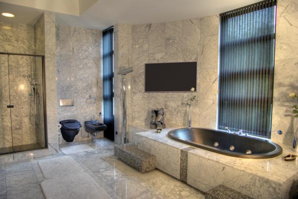 fantastisches--Badezimmer-mit-moderner-Gestaltung-