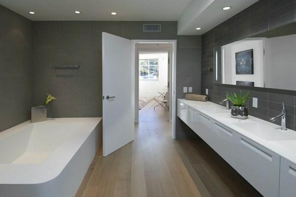 Holzboden Bad Hell Holzboden Badezimmer Pflegeleicht Ideen Modern