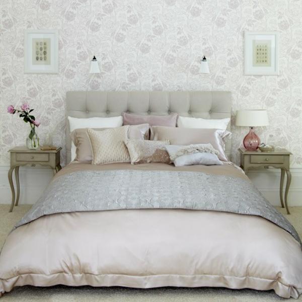 feng-shui-schlafzimmer-einrichten-bequemes-weißes-bett