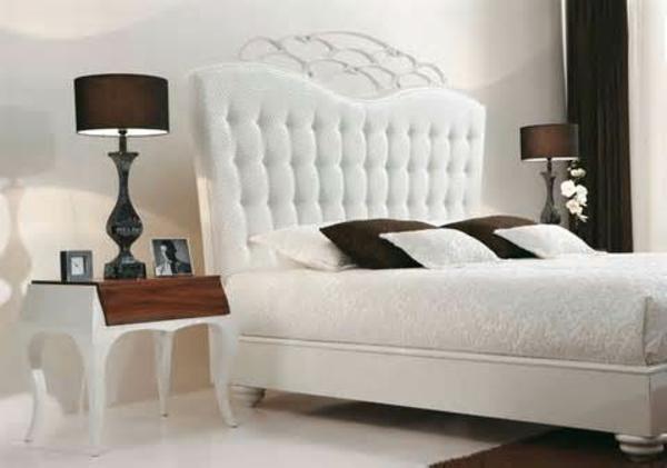 feng-shui-schlafzimmer-einrichten-weißes-kopfbrett