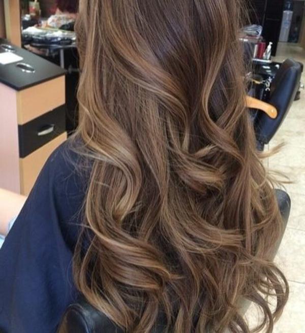 frisuren-für-braune-haare-wunderschön-erscheinen