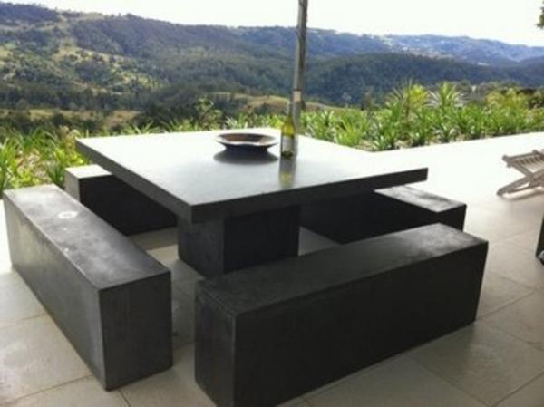 gartenbank-mit-tisch-schwarz-und-schick-erscheinen- interessant und kreativ gestaltet - sehr schön