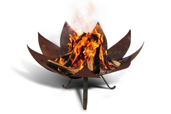 gartendeko-aus-metall-moderne-feuerstelle