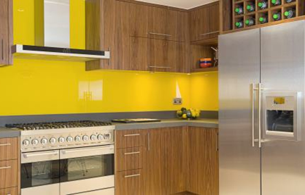 gelbe-küchen-wandfarbe-hölzerne-schöne-farbe
