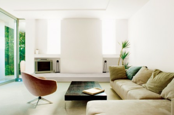 gestaltungsmöglichkeiten-für-wohnzimmer-beige-sofa- interessantes aussehen