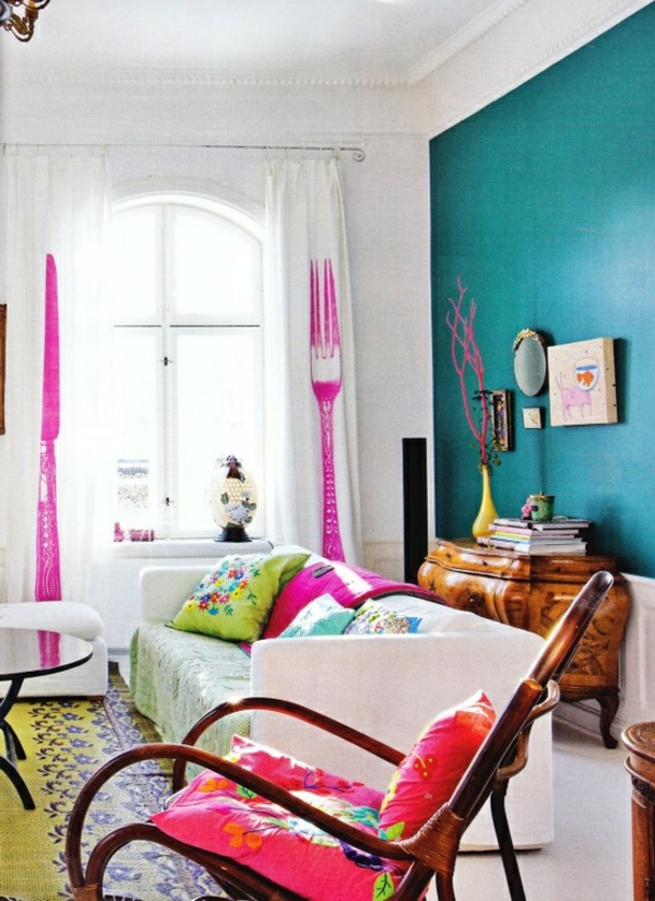 gestaltungsmöglichkeiten-für-wohnzimmer-blaue-wand-modern und süß erscheinen