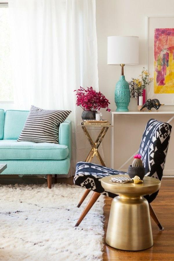 gestaltungsmöglichkeiten-für-wohnzimmer-blaues-sofa - sehr frisch aussehen
