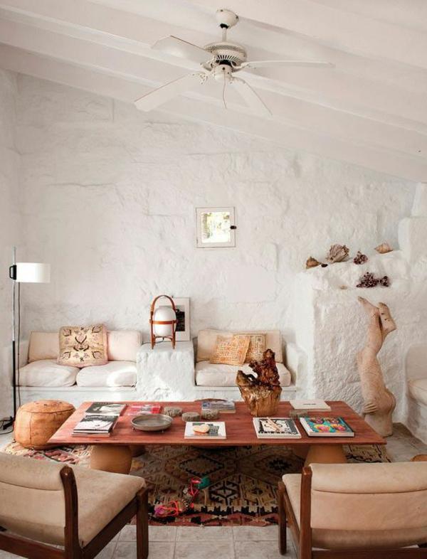 gestaltungsmöglichkeiten-für-wohnzimmer-hohe-weiße-decke