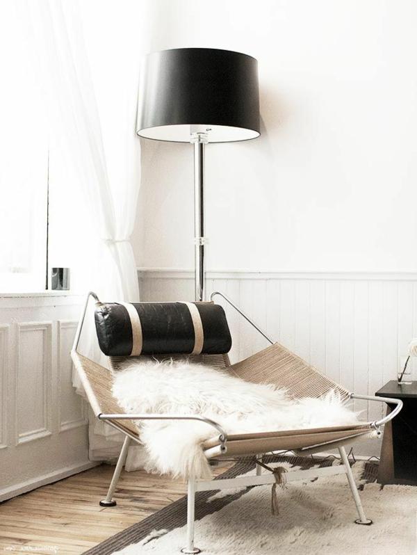 gestaltungsmöglichkeiten-für-wohnzimmer-schwarze-lampe