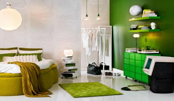 grüne-wandgestaltung-für-schlafzimmer-interessante-dekoration