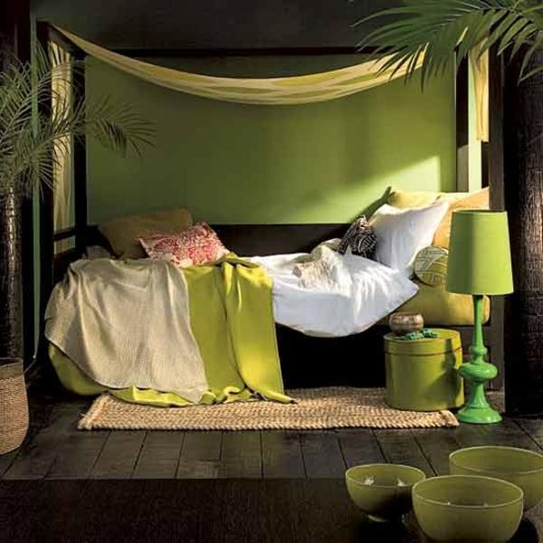 grüne-wandgestaltung-für-schlafzimmer-modern-und-interessant