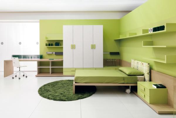 grüne-wandgestaltung-für-schlafzimmer-modern-und-schön