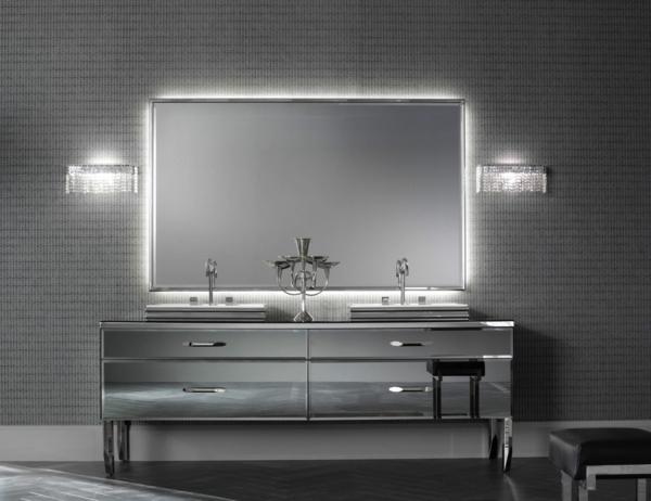 graues-badezimmer-mit-einem-designer-badspiegel