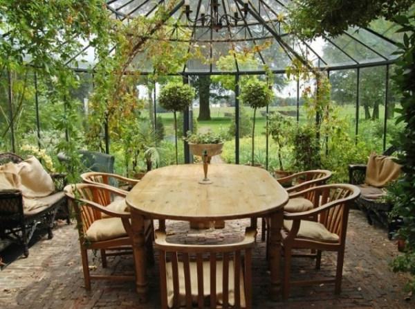 hölzerne-möbel-wintergarten-gestalten