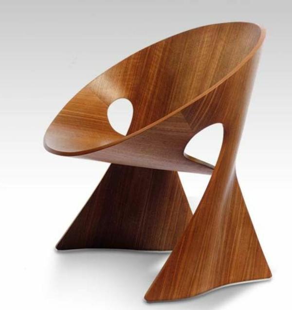 hölzerner-effektvoller- Designstuhl-für-die-extravagante-Wohnung