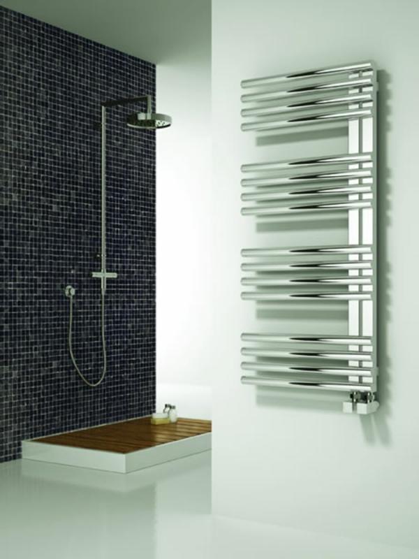 heizender-Handtuchhalter-im-Badezimmer-