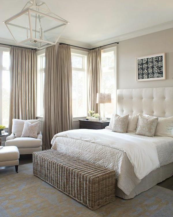 helle-Wände-im-Schlafzimmer-für-eine-gemütliche-Atmosphäre-