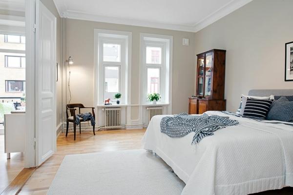 helle-Wände-im-Schlafzimmer-für-eine--gemütliche-Atmosphäre--