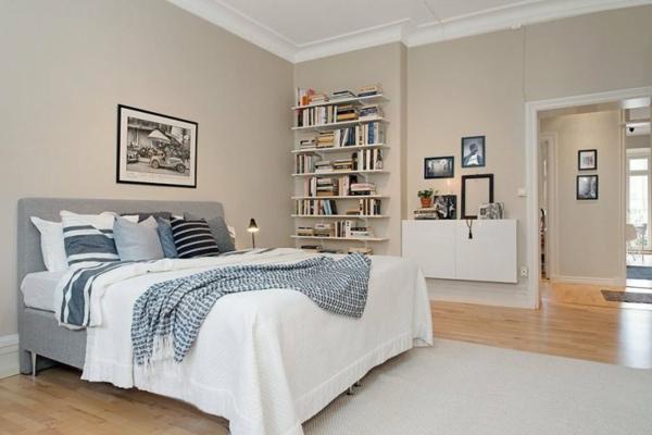 -helle-Wände-im-Schlafzimmer-für--eine-gemütliche-Atmosphäre