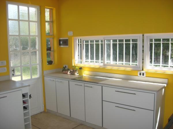 inspirierende-gelbe-küchen-wandfarbe