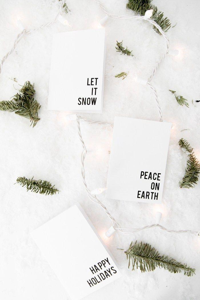 Simples Design für Weihnachtskarten, schwarze Aufschrift auf unterem Rand