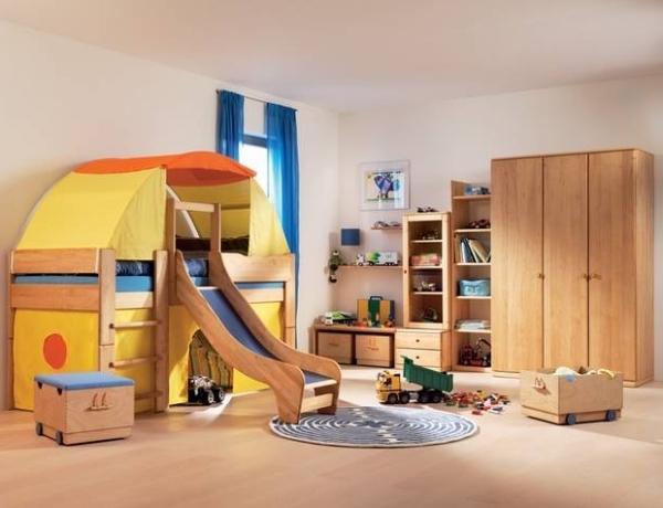 Coole kinderzimmer mit hochbett mit rutsche das beste for Kinderzimmer ausstattung
