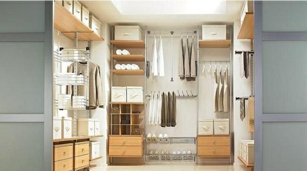 begehbarer kleiderschrank system schn trend schlafzimmer ideen begehbarer kleiderschrank im. Black Bedroom Furniture Sets. Home Design Ideas